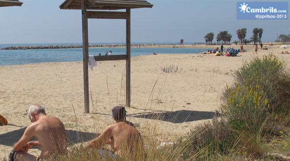 Cambrils begins this week intensive maintenance beaches