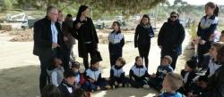 370 students from Salou participate in a popular planted