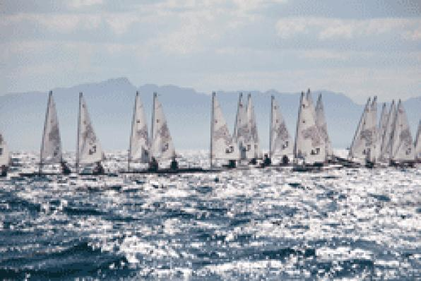 More than 80 sailors participating in the 6th Cambrils Trophy  at Bon Port