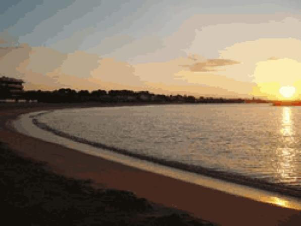 Cambrils tourist season, very positive and excellent water quality and condition of the beaches